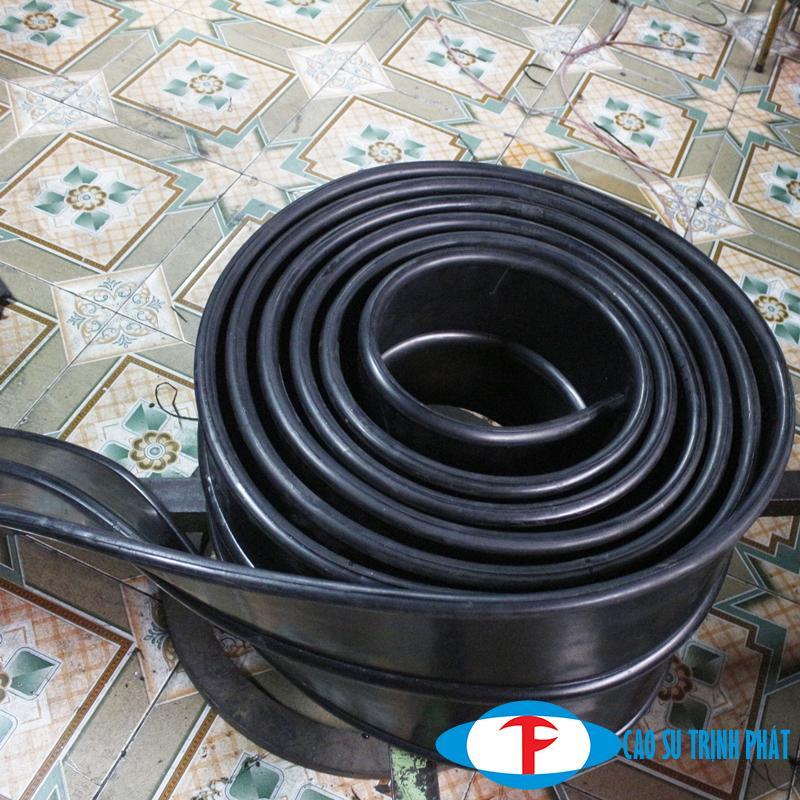 Cao su chèn bê tông được sử dụng nhiều trong ngành xây dựng, thủy điện, thủy lợi